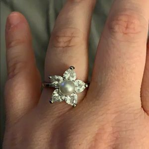 Gorgeous sea star with pearl ring size 7/8